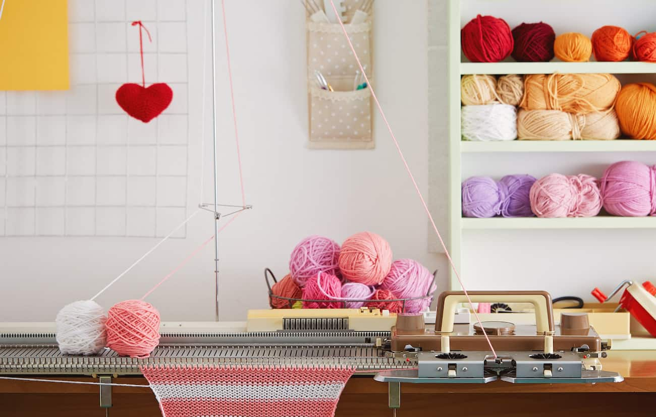 7 Best Knitting Machines of 2019 (Complete Guide) - The ...